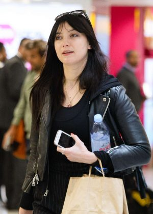 Daisy Lowe - Arriving at Heathrow Airport in London