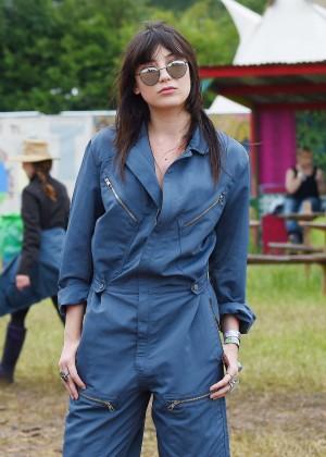 Daisy Lowe - Day 3 of the Glastonbury Festival in Glastonbury