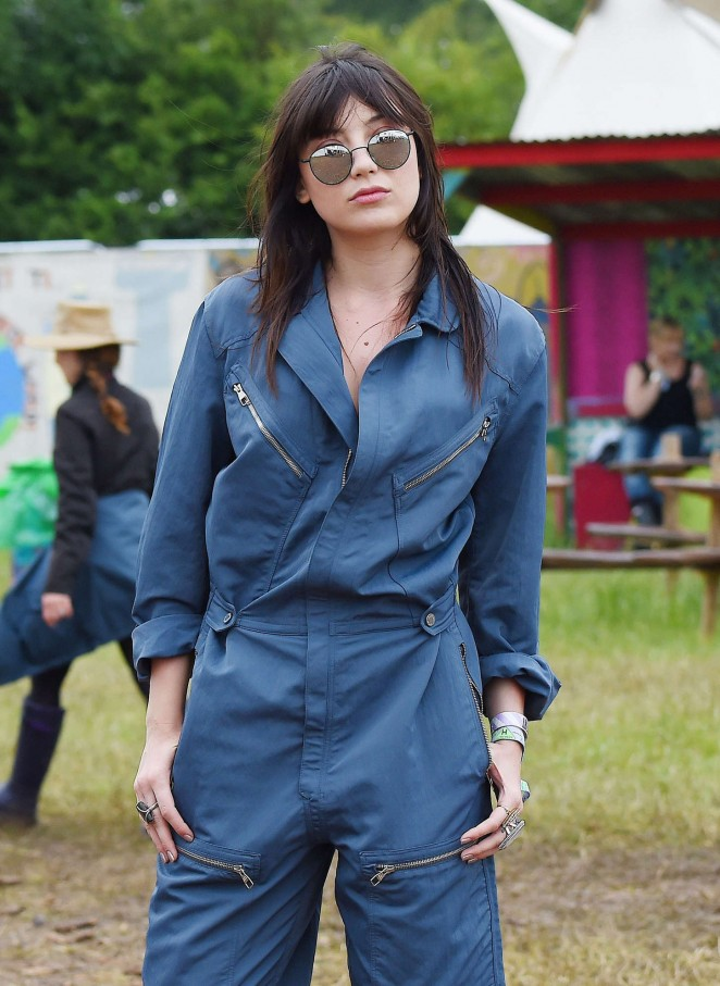 Daisy Lowe - Day 3 of the Glastonbury Festival in Glastonbury