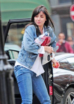 Daisy Lowe in Jeans Shopping in London