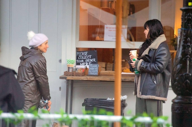 Daisy Lowe 2020 : Daisy Lowe – Seen at a coffee shop in London-05