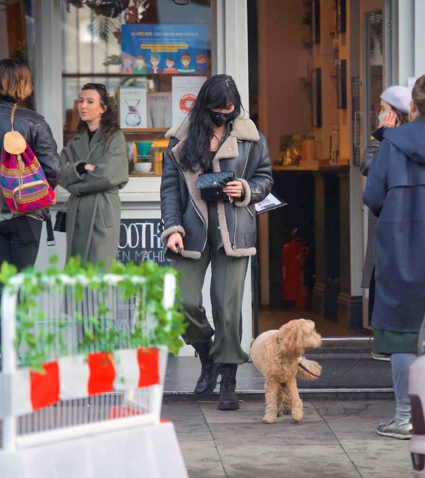Daisy Lowe 2020 : Daisy Lowe – Seen at a coffee shop in London-10