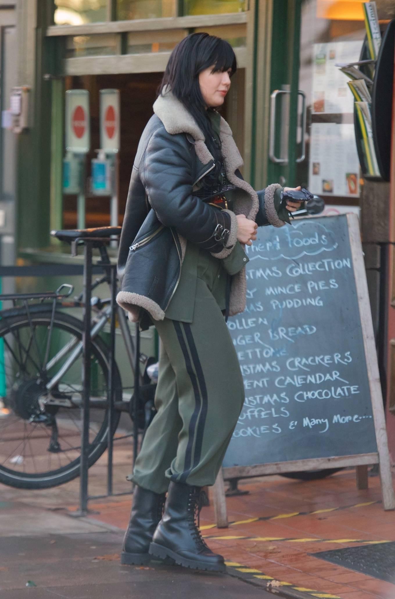 Daisy Lowe 2020 : Daisy Lowe – Seen at a coffee shop in London-15