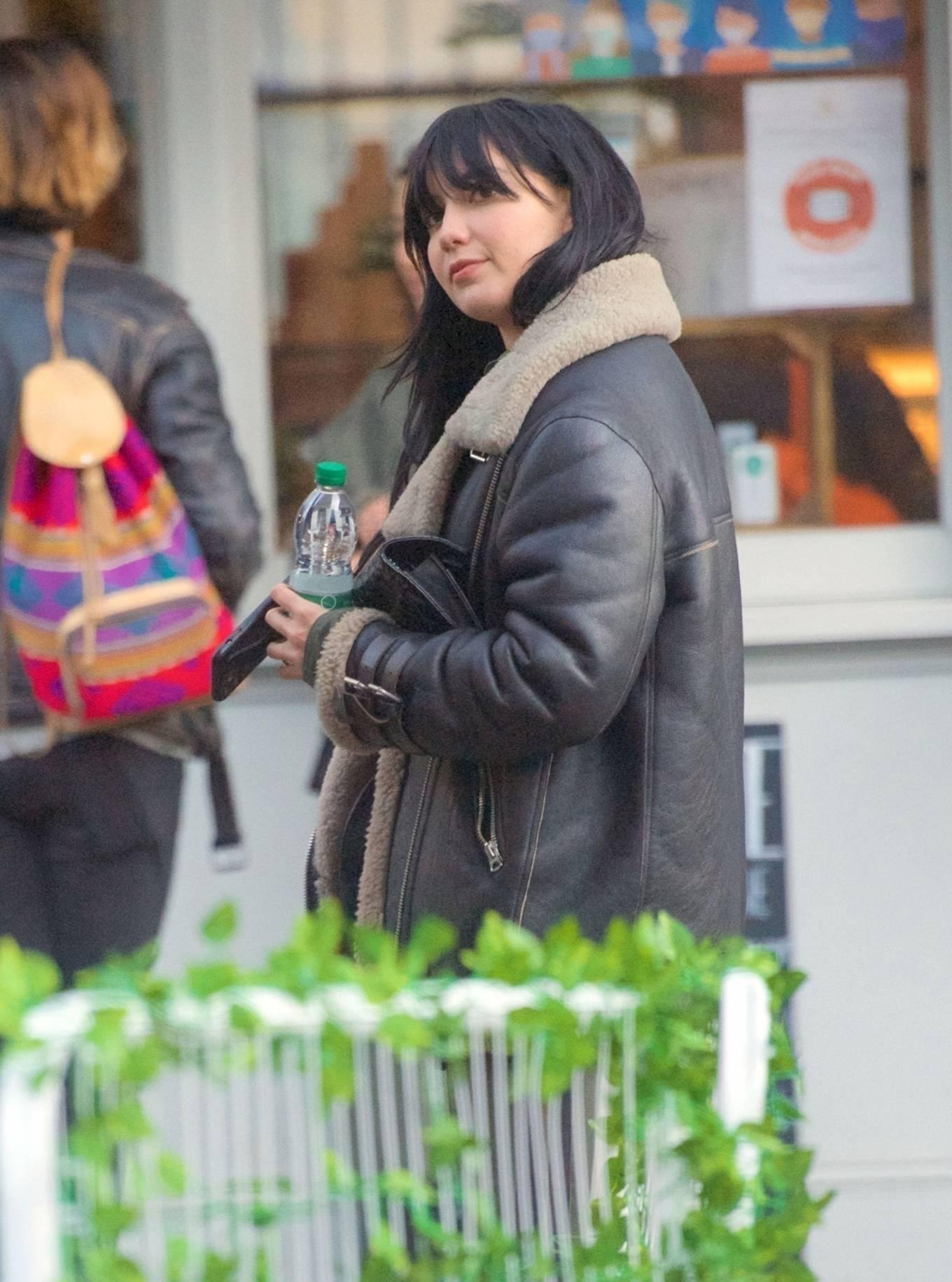 Daisy Lowe 2020 : Daisy Lowe – Seen at a coffee shop in London-18