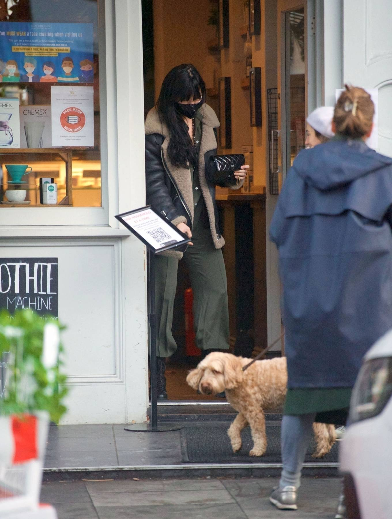 Daisy Lowe 2020 : Daisy Lowe – Seen at a coffee shop in London-22