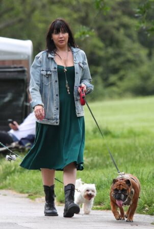 Daisy Lowe - Steps out for a dog walk in Primrose Hill Park
