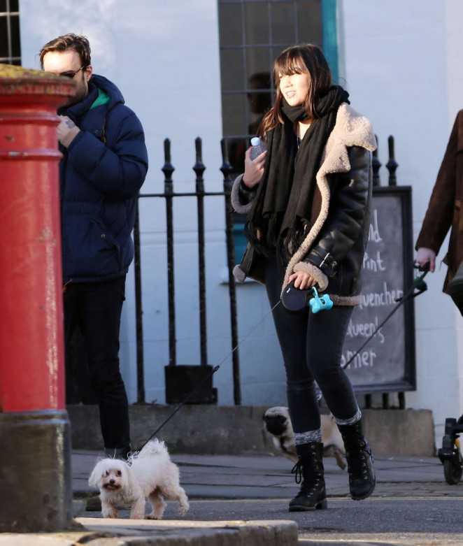 Daisy Lowe – Walking her dog in London