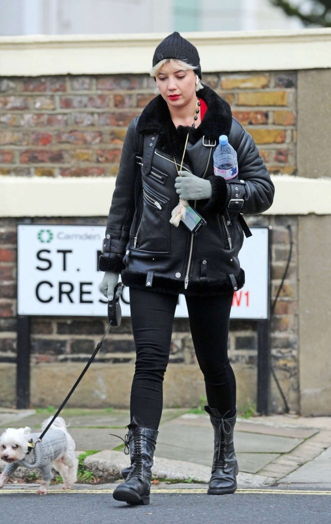 Daisy Lowe - Walking her dog in London