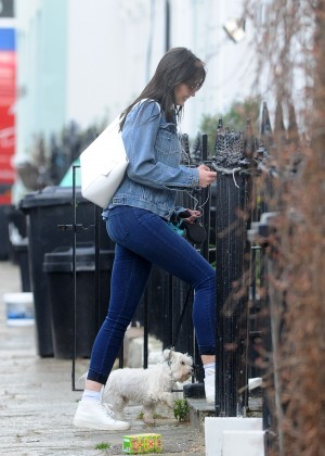 Daisy Lowe - Walking her Dog in Primrose Hill