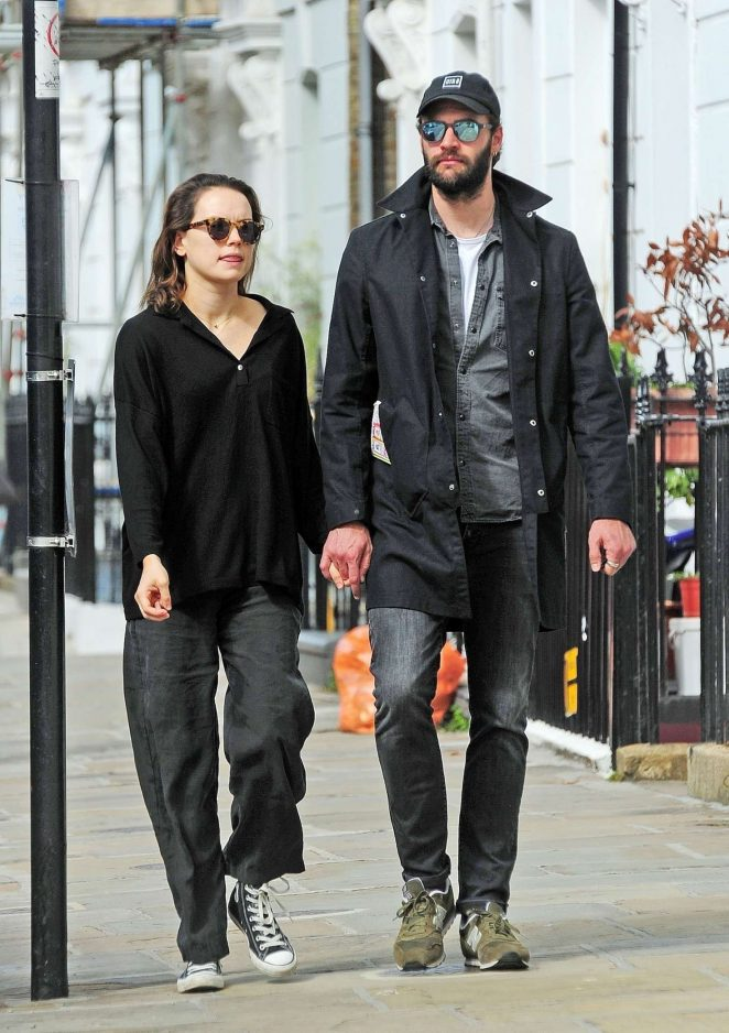 Daisy Ridley and Tom Bateman – Out in Primrose Hill