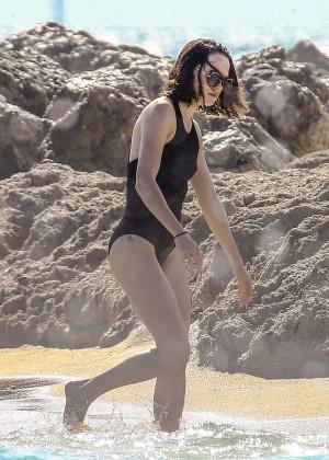 Daisy Ridley: Bikini in Miami 2015-05