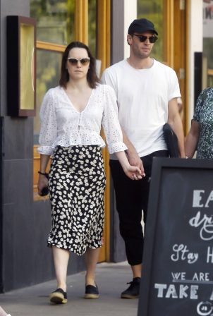 Daisy Ridley - Looks cute while out for lunch in London