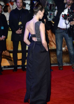 Daisy Ridley: Star Wars The Force Awakens UK Premiere -02