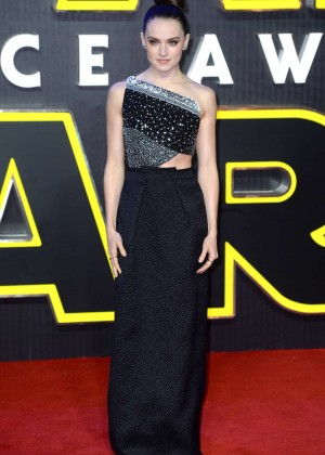 Daisy Ridley: Star Wars The Force Awakens UK Premiere -03