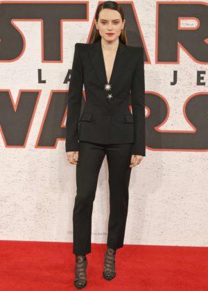 Daisy Ridley - 'Star Wars: The Last Jedi' Photocall in London