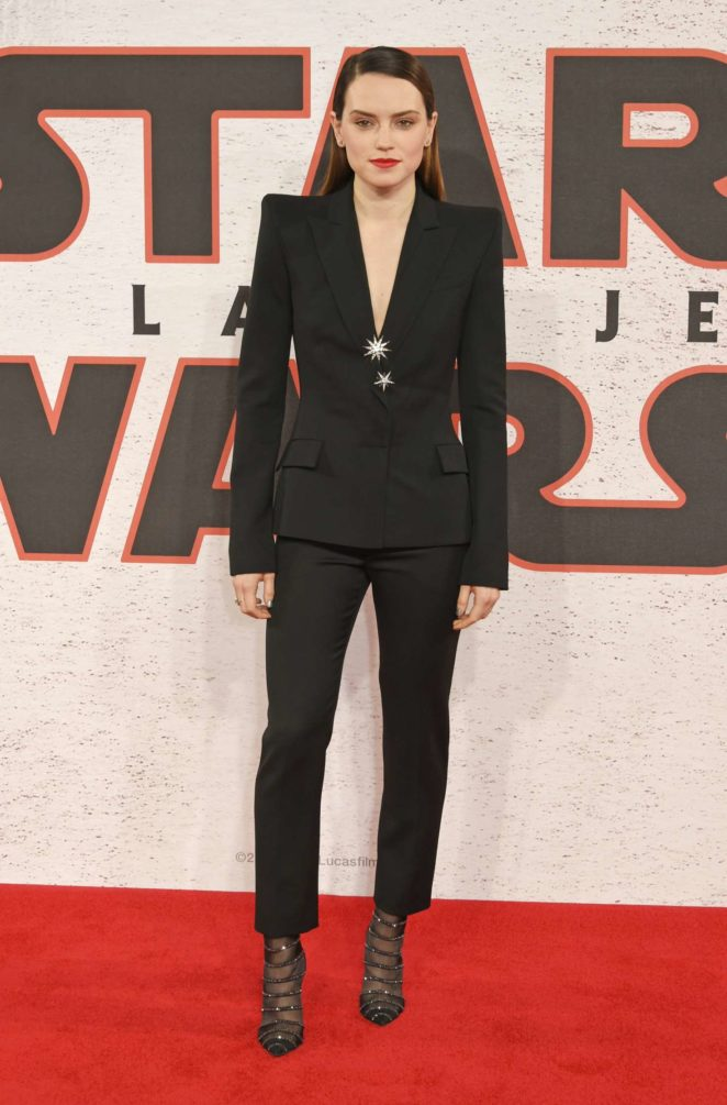 Daisy Ridley - 'Star Wars: The Last Jedi' Photocall in London