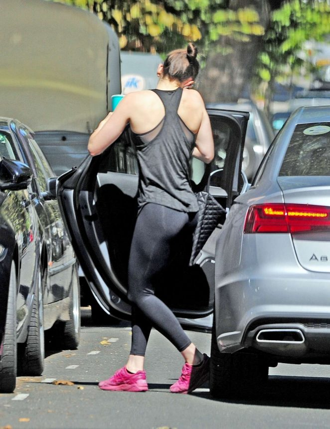 Daisy Ridley – Wears gym gear in Notting Hill