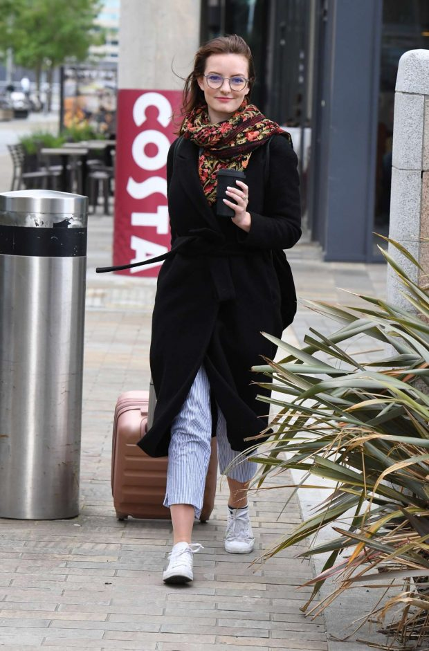Dakota Blue Richards - Leaving the Costa Coffee in Manchester
