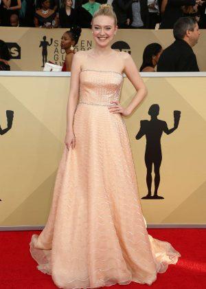 Dakota Fanning - 2018 Screen Actors Guild Awards in Los Angeles