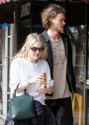 Dakota Fanning and Henry Frye out for lunch at Joan's on Third in Studio City