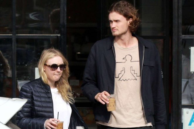 Dakota Fanning and Henry Frye out for lunch at Joans on Third -13