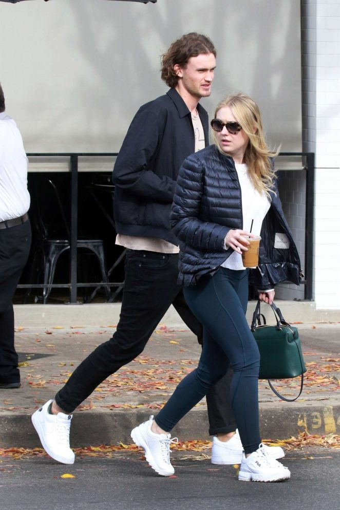 Dakota Fanning and Henry Frye out for lunch at Joans on Third -15
