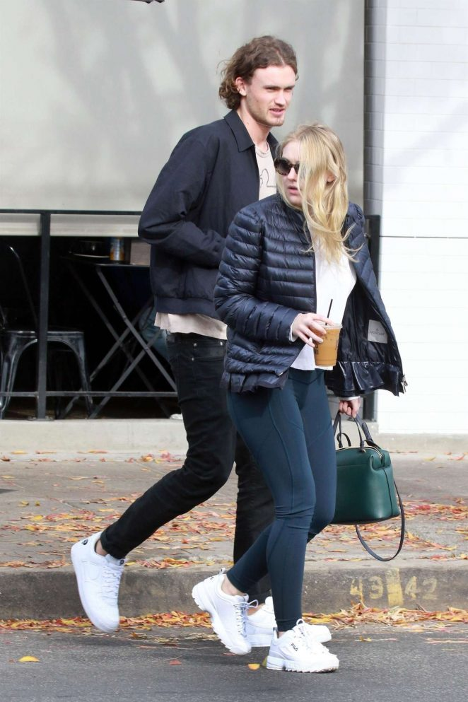 Dakota Fanning and Henry Frye out for lunch at Joans on Third -22
