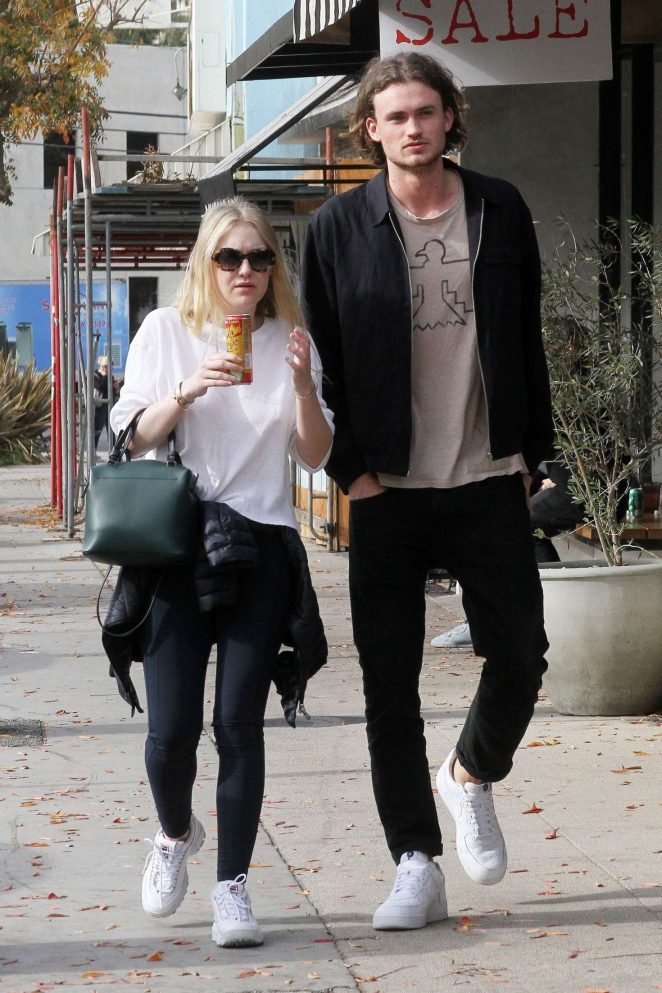 Dakota Fanning and Henry Frye out for lunch at Joans on Third -23