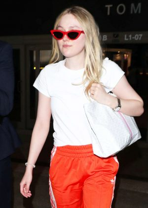 Dakota Fanning - Arrives at LAX Airport in LA