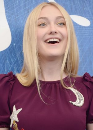 Dakota Fanning - 'Brimstone' Photocall at 73rd Venice Film Festival i...