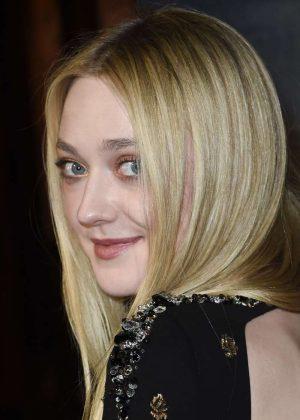 Dakota Fanning – 'Brimstone' Premiere in Amsterdam  Dakota Fanning
