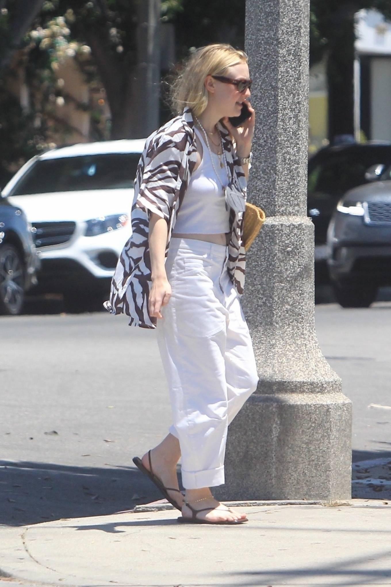 Dakota Fanning 2021 : Dakota Fanning – Grab a cold beverage in West Hollywood-14