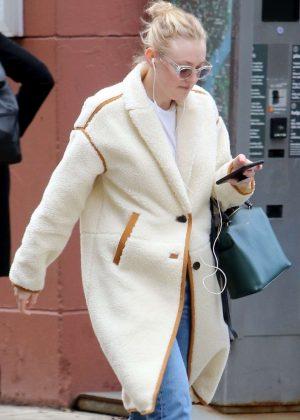 Dakota Fanning - Heading to class in NY