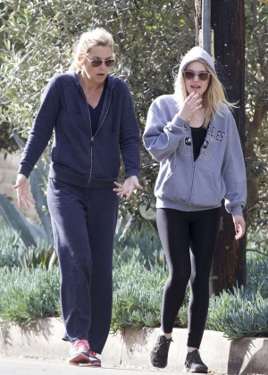 Dakota Fanning - Hiking through Fryman Canyon in LA