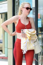 Dakota Fanning - Hitting the gym in Studio City