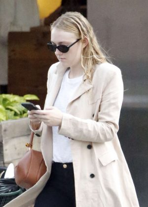 Dakota Fanning in Jeans Out in New York