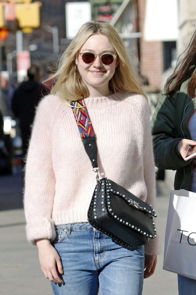 Dakota Fanning in Jeans out in NYC