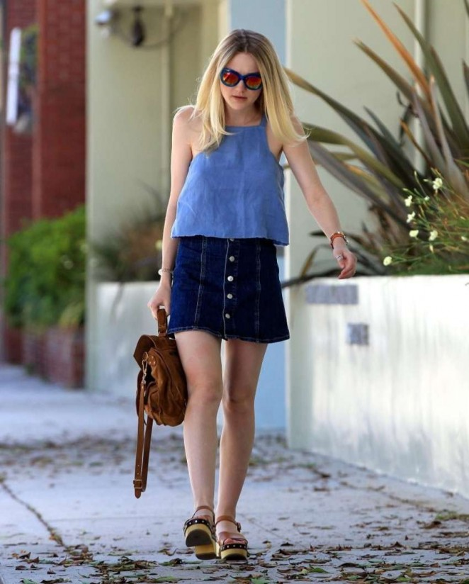 Dakota Fanning Leggy in Jeans Skirt -11