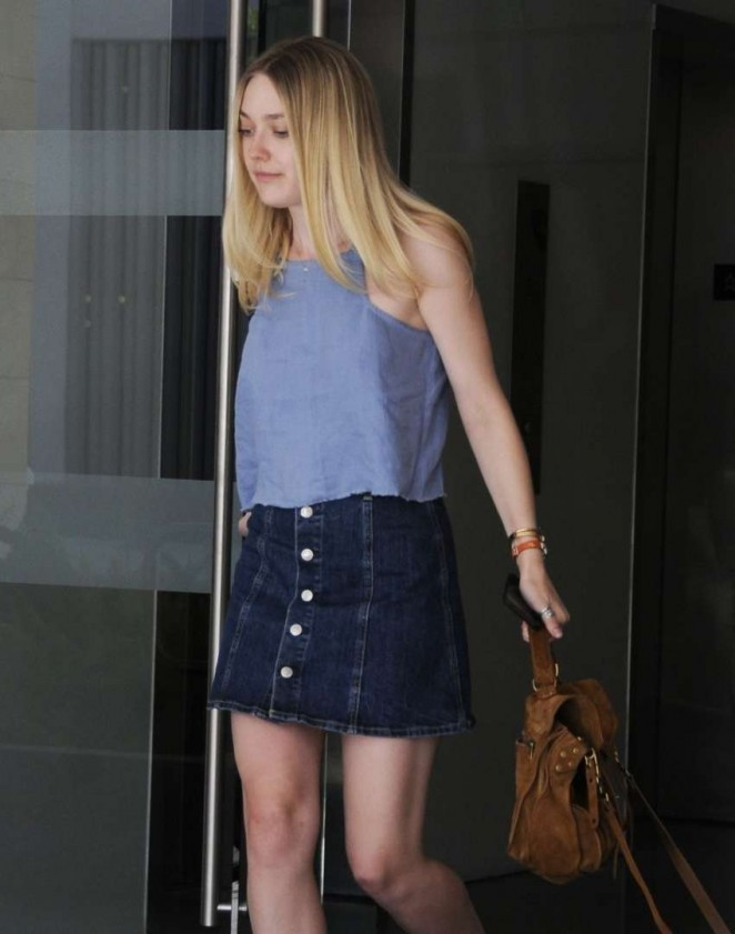 Dakota Fanning Leggy in Jeans Skirt -12