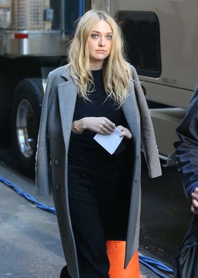 Dakota Fanning - On the set of 'Ocean's Eight' in NYC