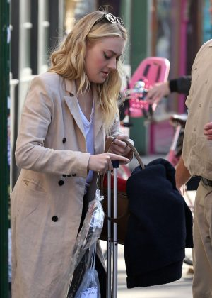 Dakota Fanning - Out and About in New York City