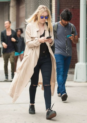 Dakota Fanning - Out and about in NYC