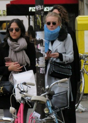 Dakota Fanning - Out and About in Paris