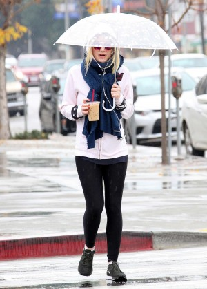 Dakota Fanning - Out and about in Studio City