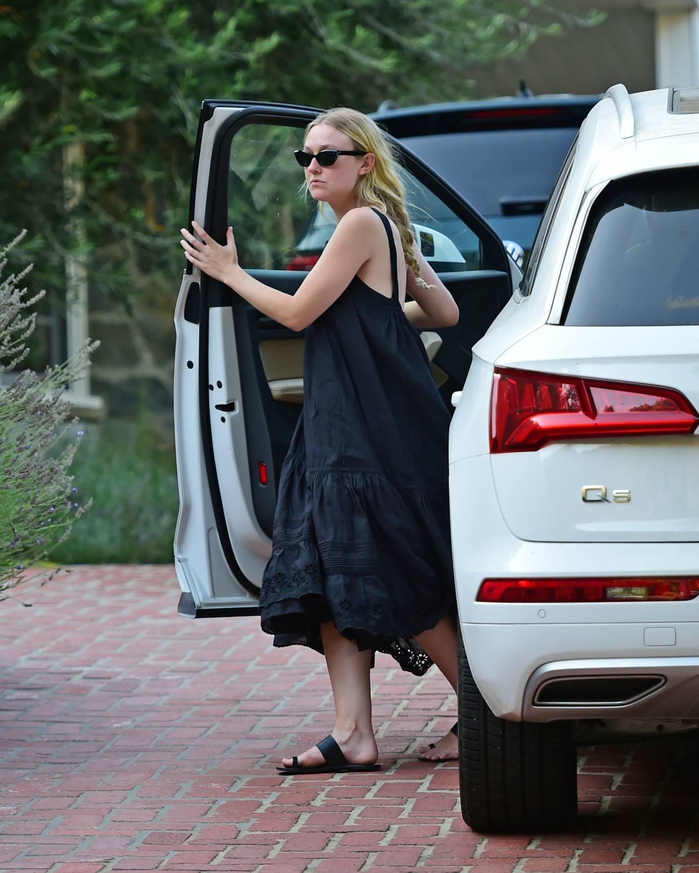 Dakota Fanning 2020 : Dakota Fanning – Out from a car in Los Angeles-04