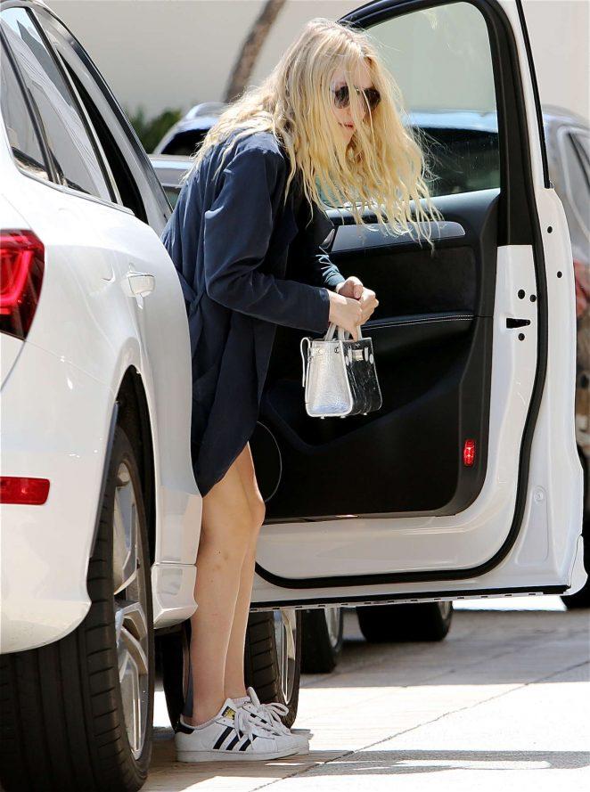 Dakota Fanning out in Los Angeles -03