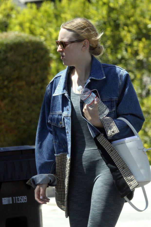 Dakota Fanning - Out in Los Angeles