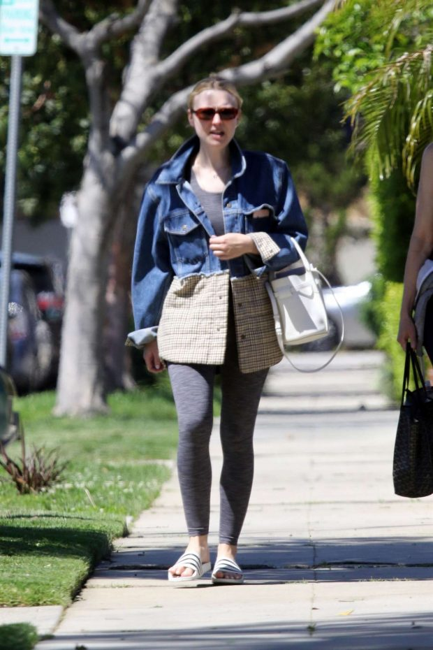 Dakota Fanning: Out in Los Angeles -14