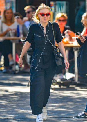 Dakota Fanning - Out in NYC