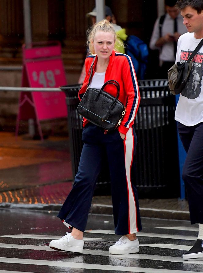 Dakota Fanning - Out in Soho